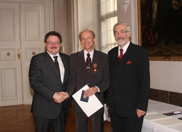 2010 – Bundesverdienstkreuz am Bande für Dr. Joachim Galuska