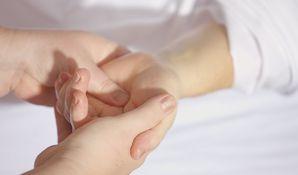 Helfende treatment 1327811 1920 13b8ad8bcf