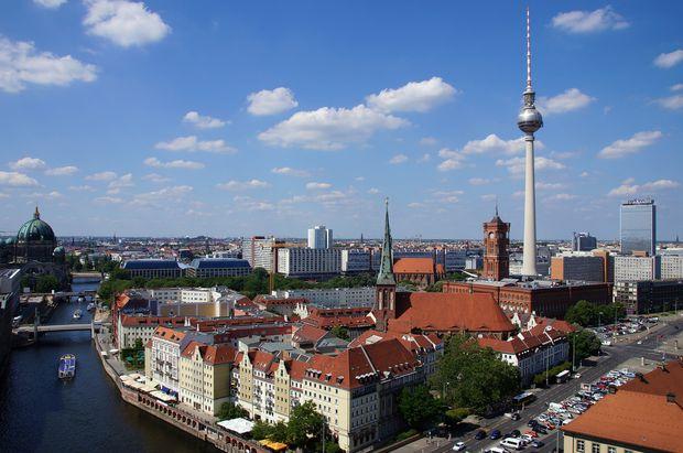 csm berlin 2424516 1920 65d5c030a4